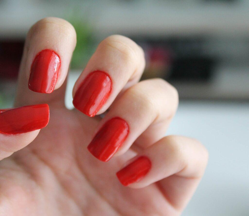 Tendência: técnica de 7 camadas de esmalte para as unhas